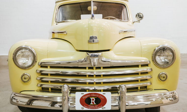 1947-Ford-Super-Deluxe-Convertible-16
